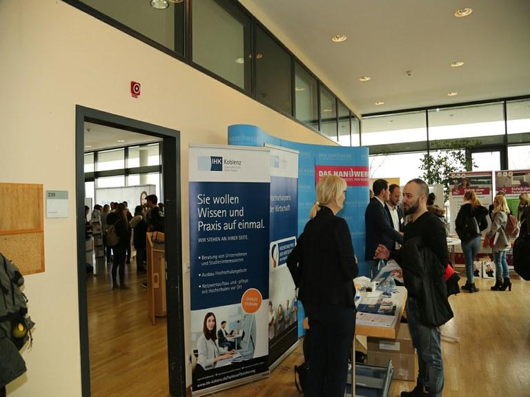 Koblenzer Unternehmen treffen auf Studierende