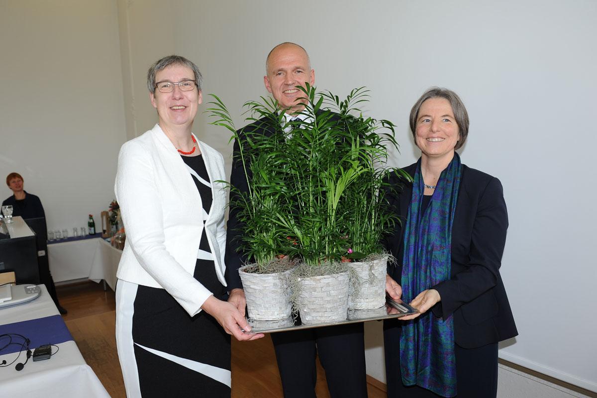 Übergabe des Präsidentenamtes: Vizepräsidenten mit Präsiodentin Kallenrode