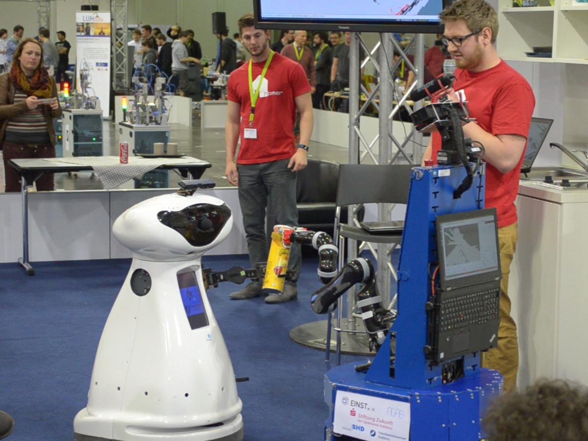 Service-Roboter Lisa wieder auf Platz 1