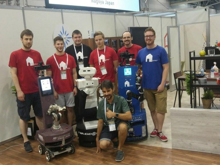 Universität Koblenz-Landau erhält Roboter TIAGo
