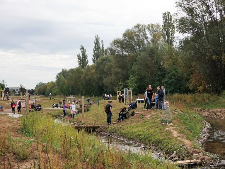 Ausgangspunkt für Bildung, Ausbildung und Forschung: Feierliche Eröffnung des Umweltparcours Queich