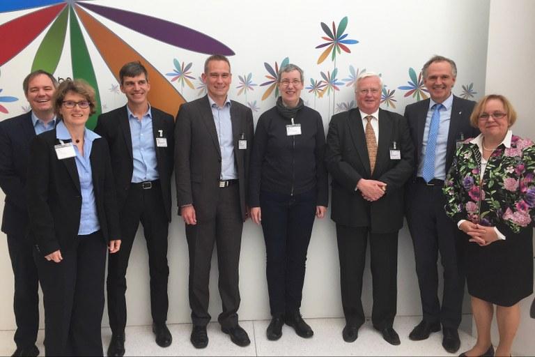 Delegation der Universität besuchte OECD Hauptquartier in Paris