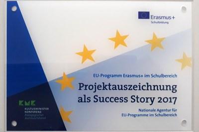 """Das Projekt """"Sustainable Entrepreneurship – A Game-based Exploration for Lower Secondary Schools"""" von Prof. Dr. Günther Seeber wurde als eine von insgesamt 16 """"Success Stories 2017"""" des EU-Programms Erasmus + ausgezeichnet."""
