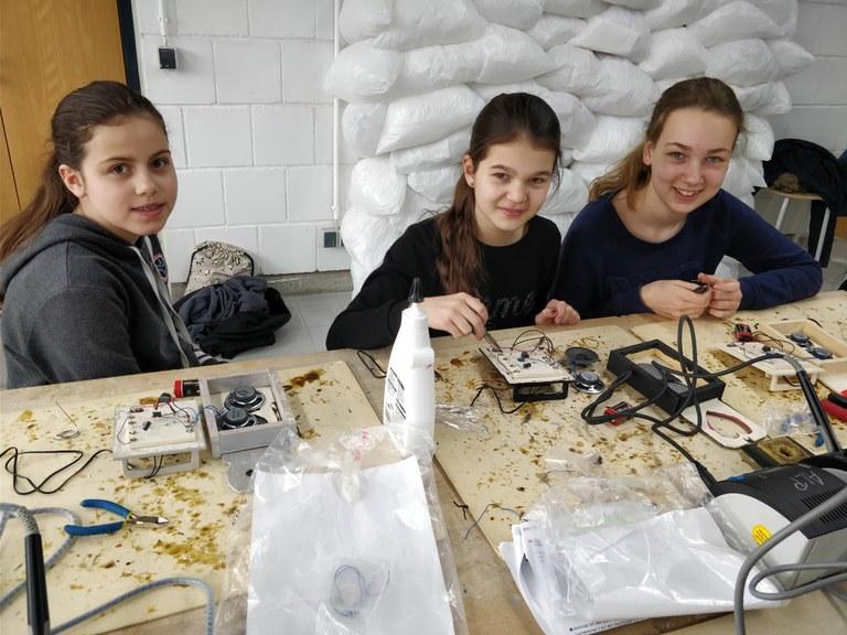 Erfolgreiche Mädchen- und Techniktage in den Osterferien