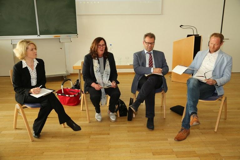 Raus aus der Uni, rein ins Referendariat - Expertengespräch zum Übergang vom Studium in den Beruf