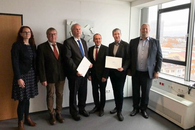 "Das ""Koblenz Institute of Advanced Ceramic Material Properties Studies"", das Verbundprojekt von der Universität Koblenz-Landau und der Hochschule Koblenz, geht mit einer Fördersumme von 250.000 Euro an den Start. Foto: MWWK"