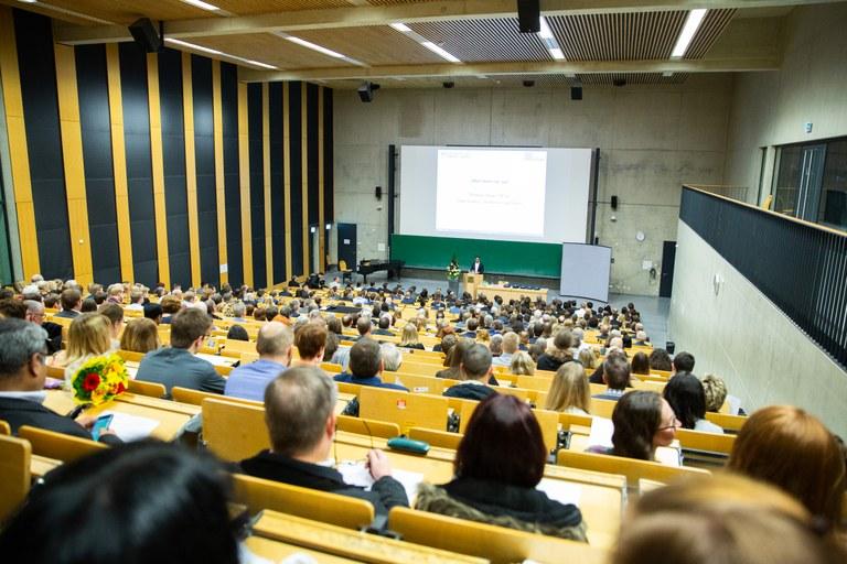 262 Absolventen am Fachbereich Informatik verabschiedet