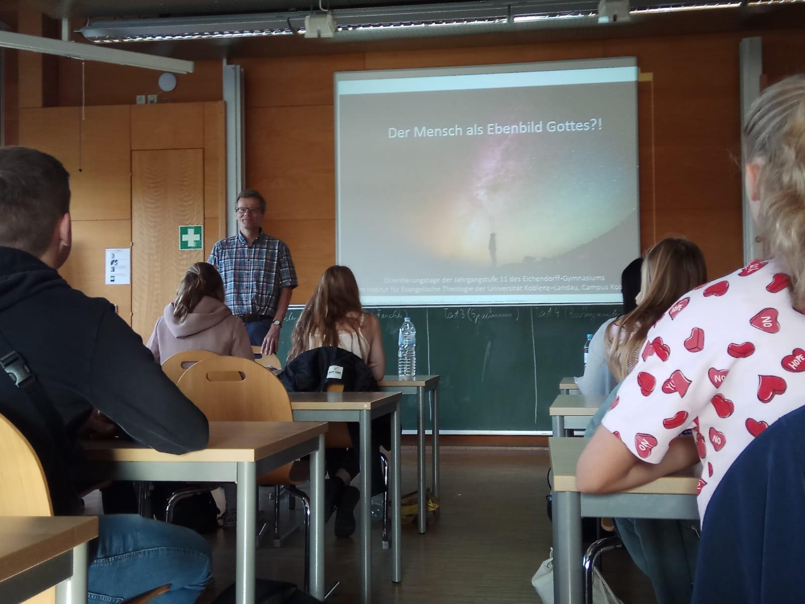 Der Mensch als Gottes Ebenbild? - Schüler zu Gast an der Universität in Koblenz