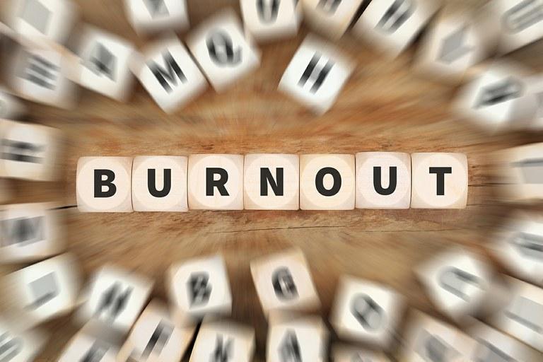 Burnout-Prophylaxe: Selbstmanagement und mentale Stärke im Arbeitsleben