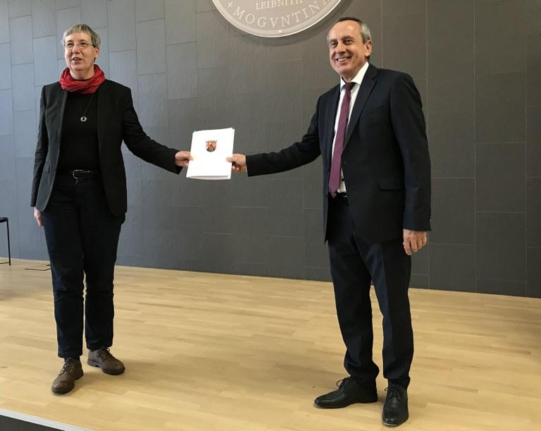 Zielvereinbarung zur Umsetzung der Hochschulinitiative unterzeichnet