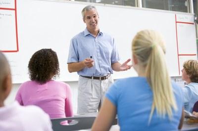 Begabte Schüler können - nach Anmeldung bis zum 15. Oktober 2021 - Universitätsluft schnuppern. Eine Informationsveranstaltung zum Frühstudium findet am 04. Oktober 2021 statt. Bild: Colourbox