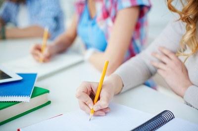 Nach drei Online-Semestern kehrt mit dem Start der Vorlesungszeit kommende Woche wieder das studentische Leben auf den Campus Landau zurück. So viel Präsenz-Veranstaltungen wie möglich wird es in diesem Wintersemester geben. Foto: Colourbox
