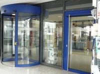 UB Landau Eingangsbereich
