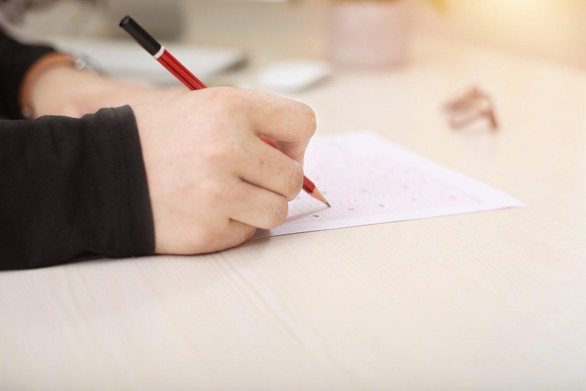 Für die persönliche Teilnahme an schriftlichen Klausuren sind derzeit keine Alternativen in Sicht (Foto: Pixabay)