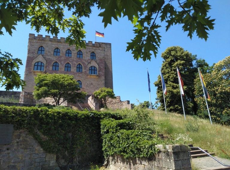 Veranstaltungen zu Konflikten um Demokratie am Hambacher Schloss