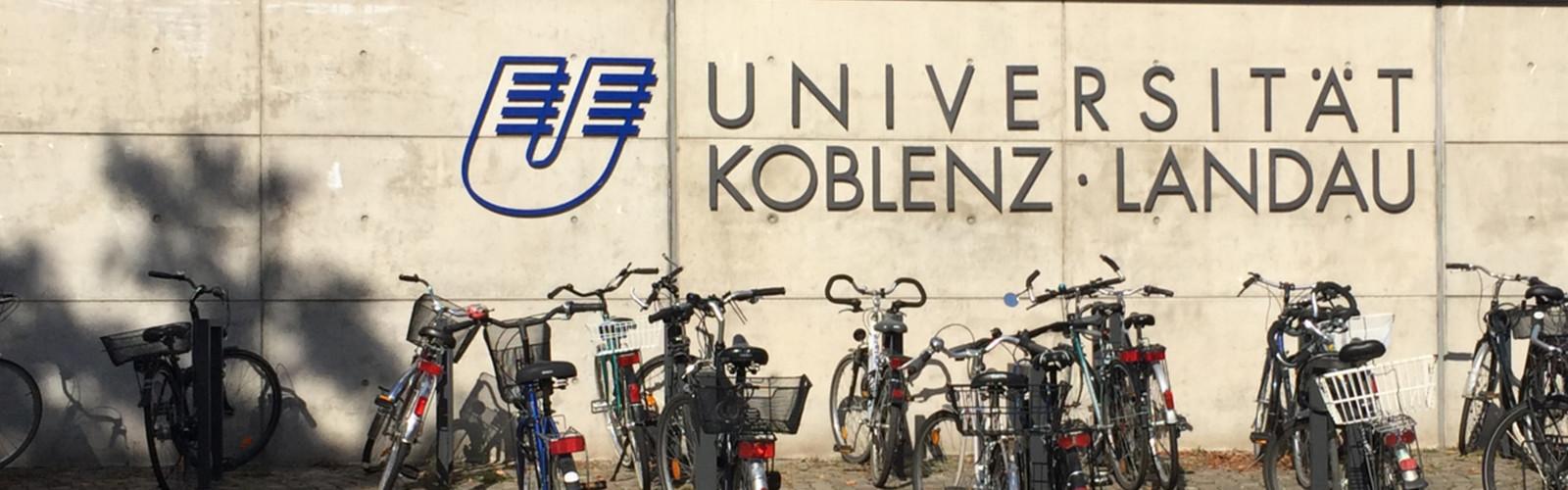 Schriftzug Universität Koblenz · Landau