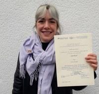 Verleihung Urkunde Alina Burger