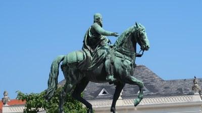 Statuen02