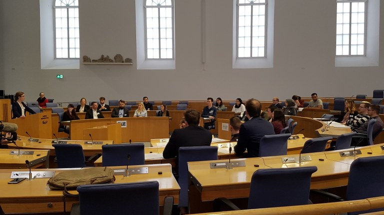 """""""Verhandeln, Vermitteln, Kommunizieren"""" – die Spring School 2020 im Landtag Rheinland-Pfalz"""