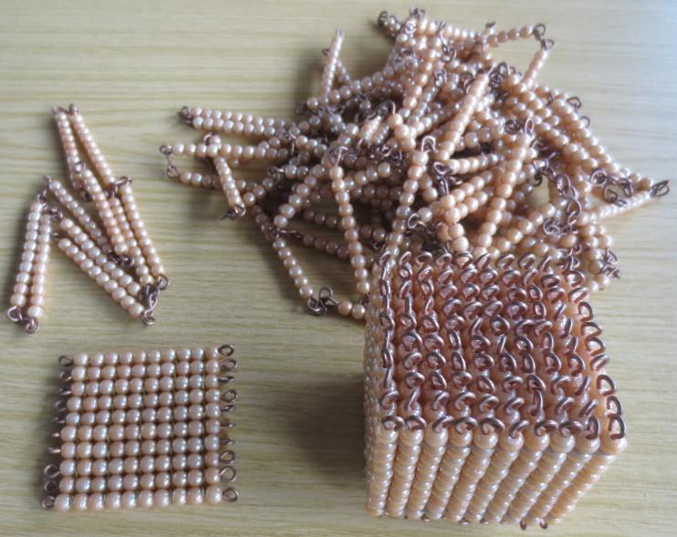 Perlenmaterial_goldenes_L.JPG
