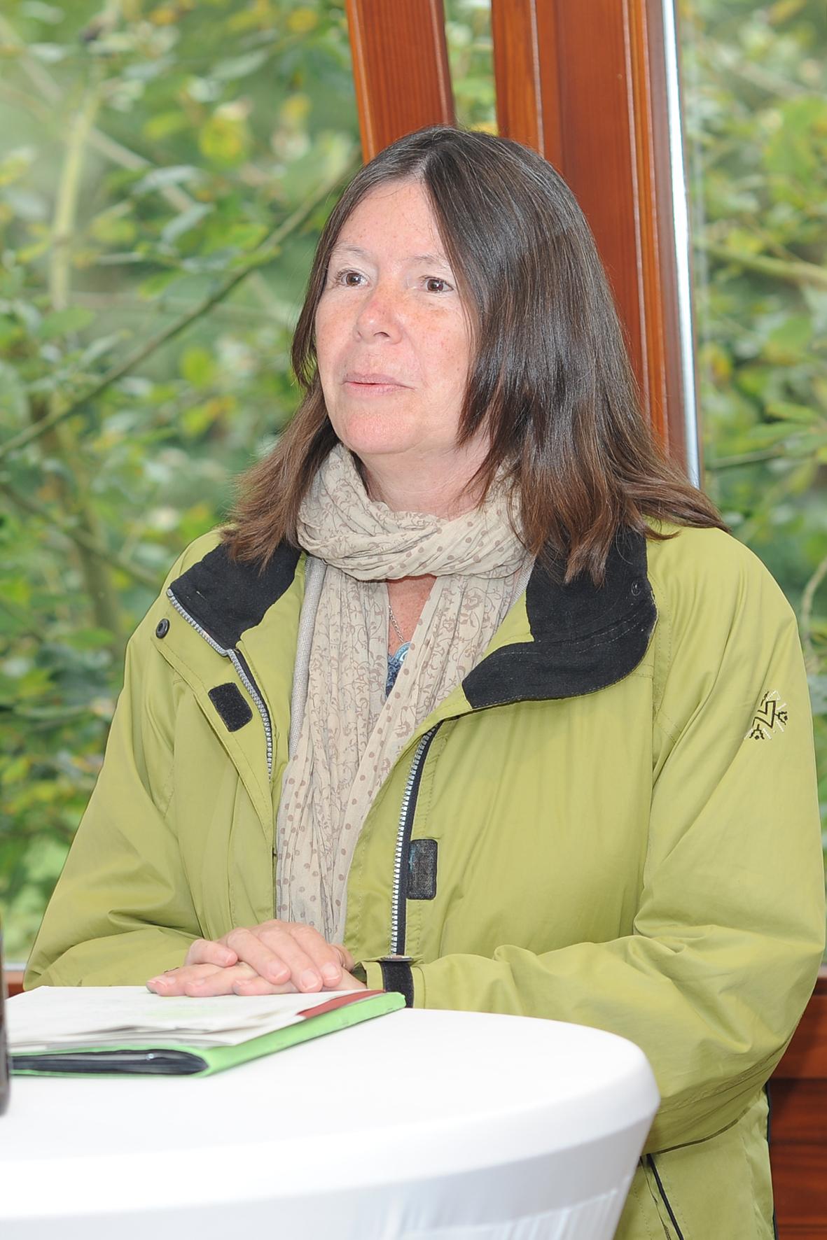 Frau Umweltministerin Hoefken
