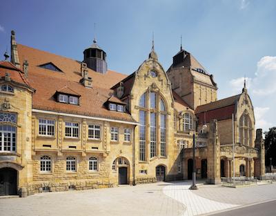 Foto von der Jugendstilhalle (außen links)
