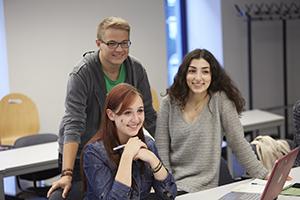 Studierende in der Universität am Campus Koblenz