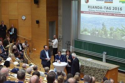 Gesprächsrunde am Ruanda-Tag in Koblenz