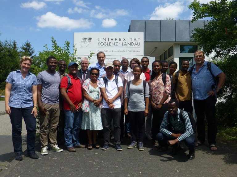 Students from Rwanda and Madagascar with representatives of their home universities and the University of Koblenz-Landau